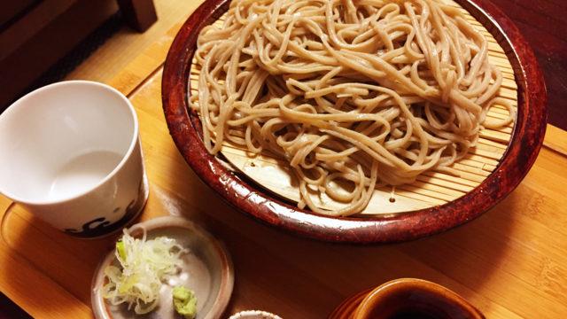 長野で自動車で行ける蕎麦屋さん「手挽きそば 蔵之内」コシのある太打ちの麺だけでなく季節のデザートもうまい!【長野の旅#6】