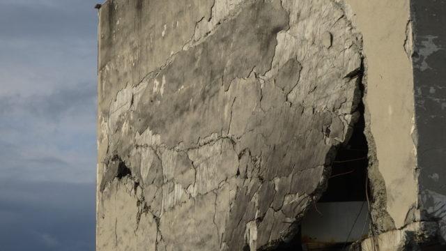 旧大鎚町役場を保存するか解体するか。震災遺構に揺れる大鎚町の震災5年後のすがた【岩手の旅#5】