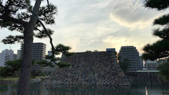 【必見】高松城跡(玉藻公園)は〇〇のエサやりを体験できる【香川の旅#9】