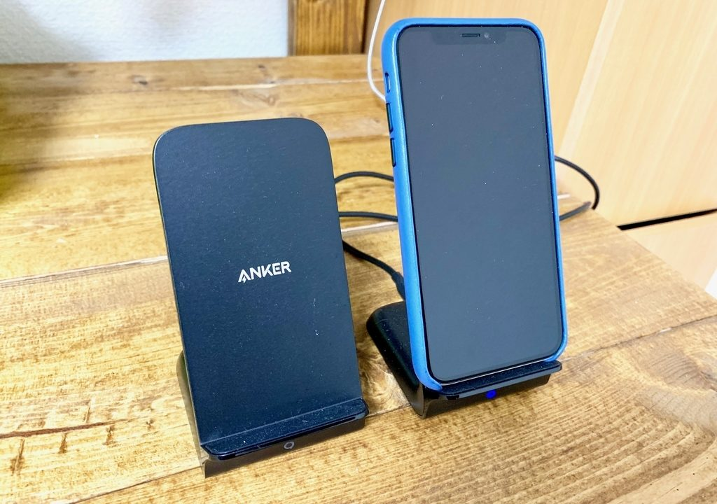 2つのiPhoneを一箇所で同時にワイヤレス急速充電したいならオススメしたい2アイテム