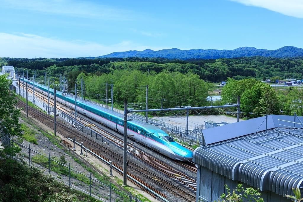"""新幹線無料公衆Wi-Fiの無料コンテンツ配信サービスは""""ダメリーマン""""補完計画?"""