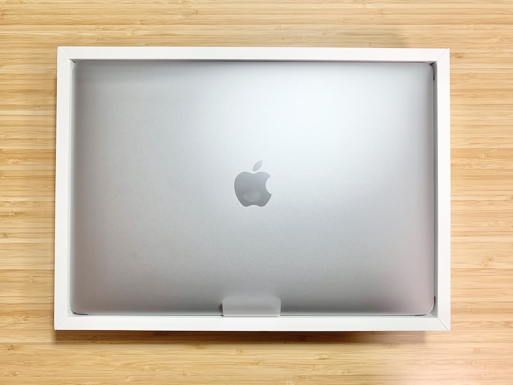 MacBook Proを開けたところ