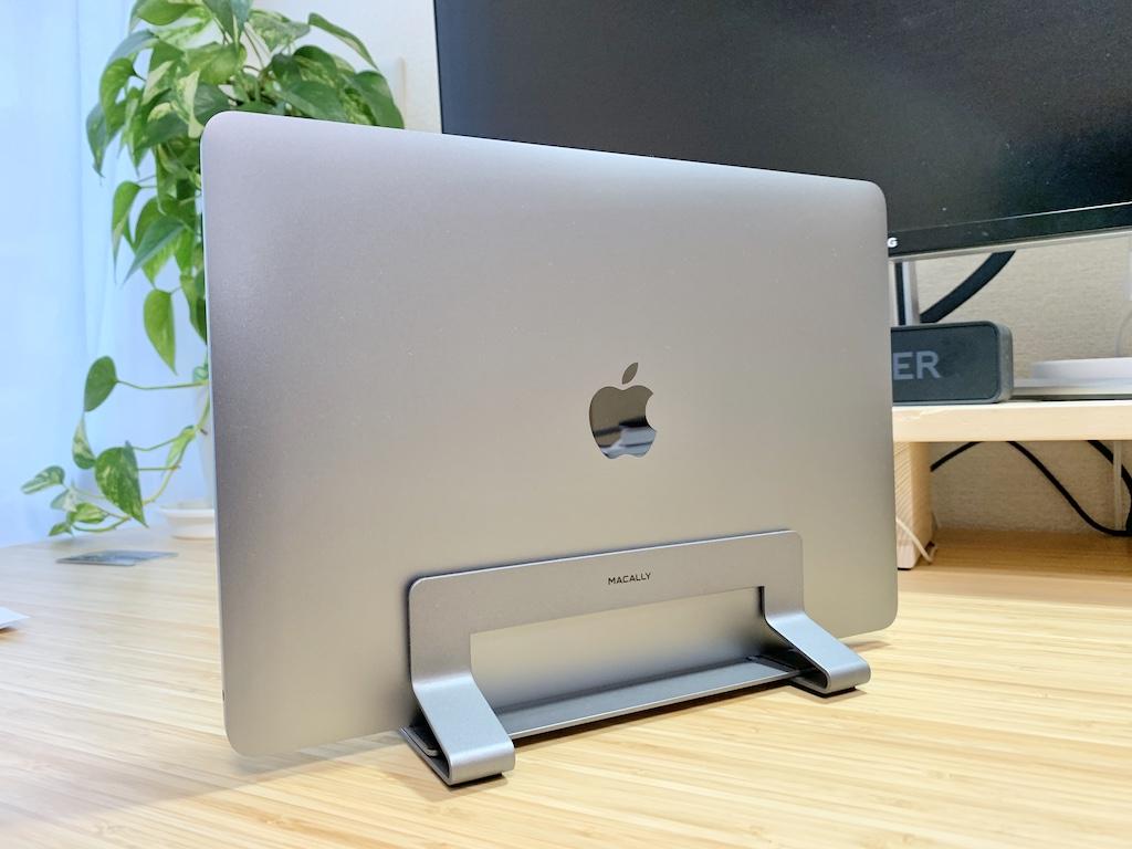 Macally縦置きスタンドとMacBook Pro